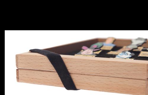 Productos, suplementos y accesorios para el coleccionista - monedas / numismática / euros / pins / medallas / insignias