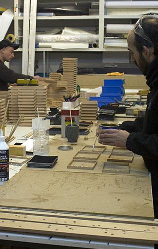 Producto realizado en madera y a mano para guardar y cuidar monedas / numismática / euros