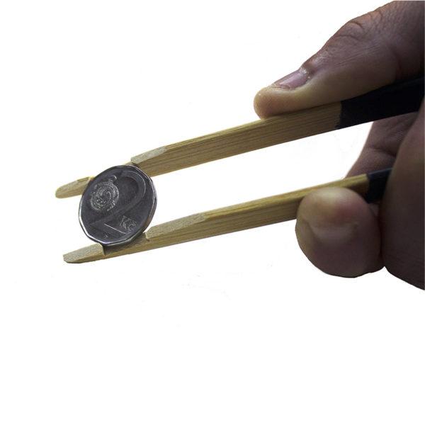 Pinza para monedas Ubi-k te ayuda a colocar y cuidar tu colección de monedas - numismática